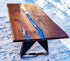 67 Amazing Resin Wood Table For Your Home Furniture - LuvlyDecor Resin And Wood Diy, Wood Resin Table, Slab Table, Wooden Tables, Dining Tables, Resin Furniture, Table Furniture, Home Furniture, Furniture Ideas