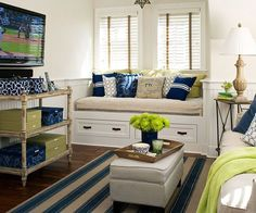 Use these small living room decor ideas to add flair to your small space. Organize your living room and add stylish decor with easy decorating ideas!