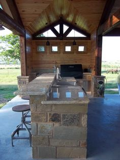 Outdoor Living | M & J Construction