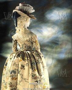 Dress, by Anna Maria Garthwaite. England, late 18th century