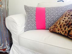 Black & white floral fabric with a colorblock of hot pink. Cushion cover /Throw pillow cover on Etsy: https://www.etsy.com/shop/sheshappydesign