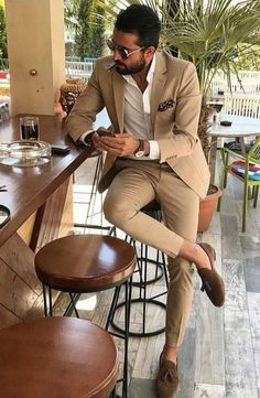 Chic Pink One Button Mens Prom Suits Notched Lapel Groomsmen Wedding Tuxedos For Men Blazers Two Pieces Formal Suit Jacket Pants - Man Blazer Outfits Men, Mens Fashion Blazer, Stylish Mens Outfits, Suit Fashion, Men Blazer, Groom Fashion, Mens Fashion Wear, Fashion Menswear, Formal Men Outfit