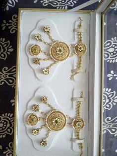 rajputi jewellery hathful by Kuldeep Singh Real Gold Jewelry, Hand Jewelry, Royal Jewelry, Gold Jewellery, Bridal Jewellery, Indian Wedding Jewelry, Indian Jewelry, Indian Weddings, Indian Bridal