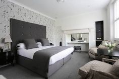 Villa Magdala City Centre Bath This small boutique hotel located in the centre of Bath, just around the corner from the iconic Pulteney Bridge, Villa Magdala is set within its own gardens and has private off-street private car parking for an additional fee.