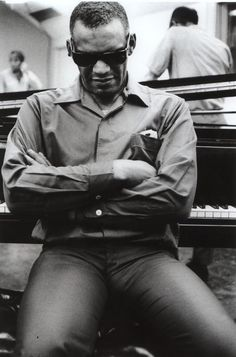 Ray Charles (1969) at Romeo Und Julia shoot, RPM Studios, LA. Photo by Peter Brüchmann.