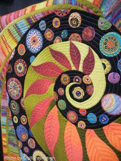 close up of quilting, Autumn Whirlpool by Bobbie Moon, 2014 Road to California, photo by Quilt Inspiration