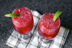 blackberry gin fizz by smitten kitchen- as soon as the fresh blackberries roll in, I am making these for my S! Helton- thought you would love this too! maybe we can make them the next time we are all together :-) Gin Fizz Cocktail, Cocktail Drinks, Cocktail Recipes, Drink Recipes, Frozen Cocktails, Party Recipes, Blackberry Gin Fizz, Smitten Kitchen, Fresh Lime Juice