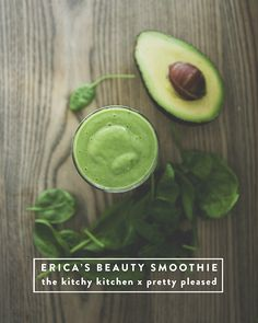 BEAUTY SMOOTHIE // The Kitchy Kitchen