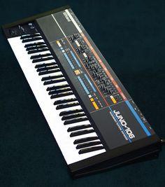 MATRIXSYNTH: Roland JUNO 106 Analog Synthesizer SN