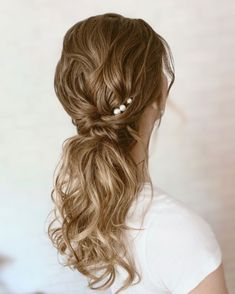 Blonde Bridal Hair, Curly Ponytail, Luxury Hair, Girls Life, Hairdresser, Wedding Hairstyles, Hair Care, Style Inspiration, Long Hair Styles