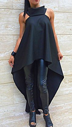 Womens Fashion - New Extravagant tunic asymmetrical top WOMAN by Classy Outfits, Chic Outfits, Fashion Outfits, Mode Chic, Mode Style, Look Fashion, Runway Fashion, Womens Fashion, Dress Over Pants