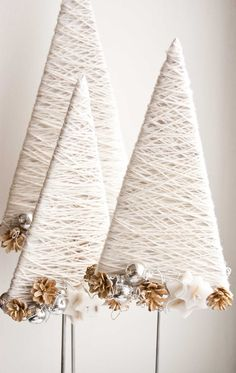 Top 40 moderne Weihnachtsdekoration Ideen - home de-core - Modern Christmas Decor, Diy Christmas Tree, Rustic Christmas, Christmas Projects, All Things Christmas, Winter Christmas, Christmas Decorations, Christmas Ornaments, Tree Decorations