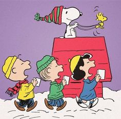 Christmas Caroling with Charlie Brown, Snoopy, Woodstock, and Linus and Lucy Van Pelt, Merry Christmas! Peanuts Christmas, Charlie Brown Christmas, Christmas Carol, Christmas Fun, Christmas Things, Christmas Images, Peanuts Gang, Peanuts Cartoon, Charlie Brown Und Snoopy