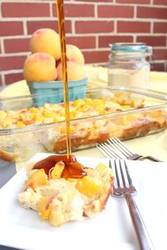 An easy make-ahead french toast casserole that features peaches and smooth, creamy cheese. A company worthy dish. So it is the last hurrah of summer this weekend and I have an easy but fancy brunch recipe for your lazy weekend. Breakfast Bake, Breakfast For Dinner, Breakfast Dishes, Breakfast Ideas, Breakfast Recipes, Brunch Recipes, Dessert Recipes, Desserts, Blueberry Biscuits