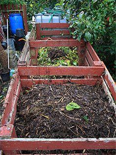 Tre kompostbeholdere