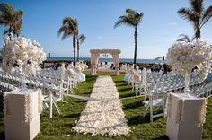 Poche ore prima del si lo sposo ci ripensa: sfuma il matrimonio nell'isola da sogno