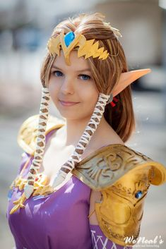 """cosplayguide: """" A detailed tutorial on making armor out of craft foam. Specifically, Zelda's pauldrons from the Legend of Zelda: Twilight Princess. Kamar Varnish (spray can),. Adult Costumes, Cosplay Costumes, Halloween Costumes, Cosplay Ideas, Costume Ideas, Craft Foam Armor, Princess Zelda Costume, How To Make Foam, Pauldron"""