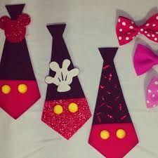 Resultado de imagen para servilleteros de minnie en goma eva Fiesta Mickey Mouse, Mickey Balloons, Mini Mouse, Craft Stick Crafts, Craft Sticks, Party Hats, Teacher Gifts, Christmas Time, First Birthdays