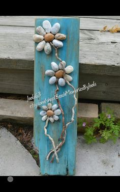 Stone Daisies, rock flowers,  stone flowers, pebble flowers, driftwood art, flower art, rock art, etsy.com ,
