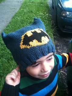 """Free knitting pattern for """"boys"""" batman hat - make a pink one for the munchkin"""