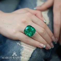 At first it seems like nothing fancy, just a huge @lorraineschwartz emerald ring, the one that #AngelinaJolie wore at Oscar. But you simply unable to drag your gaze away from it ❤️ Credit: www.margoraffaelli.com #margoloveslorraineschwartz #margolovesemeralds #margolovesnyc