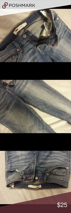 Levis jeans Barely ever worn Levi's Jeans!  Size 1.  They're like new & look great with any sort of style! Levi's Jeans Skinny