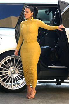 Kim Kardashian Bikini, Kardashian Style, Kardashian Jenner, Kardashian Family, Robert Kardashian, Look Fashion, Fashion Outfits, Wardrobe Makeover, Kim K Style