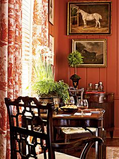 Elegant English country living room ideas for your home. English cottage interior design suggestions and inspiration. English Country Decor, Country Chic, French Country, Country Estate, Equestrian Decor, Equestrian Style, Southern Accents, Red Rooms, Interior Decorating
