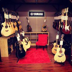 www.azemamusique.fr Guitars & Basses Yamaha #yamaha #guitar #guitars #yamahaguitar