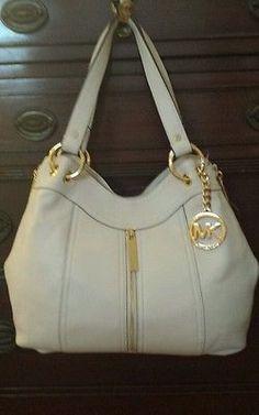 New Michael Kors handbag.  Large  Moxley Shoulder tote, Vanilla/Ivory leather.