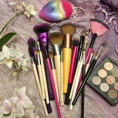 Makeup brushes mix☺️
