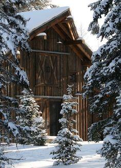 Country Living ~ Winter ~ barn and snow Farm Barn, Old Farm, Winter Szenen, Winter Cabin, Winter Season, Snow Cabin, Winter Holiday, Winter White, Behind Blue Eyes