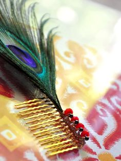 Peacock Feather Hair Comb!  Super Cute! #peacockfeather