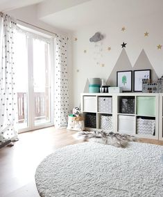 A wonderful playroom for girls and boys! Every child likes it here, lovingly furnished with childlike interior ideas - a cozy carpet on which you can play perfectly. // Nursery Ideas Inspiration Carpet Shelf Storage Mint Turquoise Images Fur Window N Nursery Room, Girl Nursery, Nursery Decor, Room Decor, Nursery Ideas, Bedroom Ideas, Baby Room Boy, Girl Room, Girls Bedroom