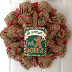 Christmas Wreaths To Make, Holiday Wreaths, Handmade Christmas, Christmas Crafts, Christmas Kitchen, Christmas Holiday, Diy Wreath, Burlap Wreath, Wreath Ideas