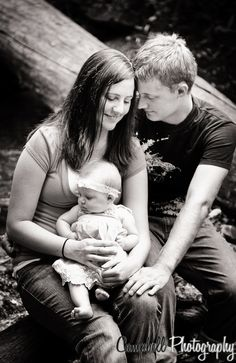 Adorable photo of a family of 3 in black and white
