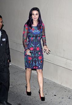 Katy Perry Photos Photos - Superstar pop singer Katy Perry seen signing autographs and posing for photos with fans while leaving a studio in Hollywood. - Superstar pop singer Katy Perry seen signing autographs and posing for photos with fans while leaving a studio in Hollywood