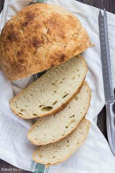 Homemade Slow Cooker Bread is always much more delicious than store-bought, and this recipe couldn't be easier. This simple white bread is easy to make and uses ingredients you probably already have on hand. Crock Pot Bread, Slow Cooker Bread, Slow Cooker Recipes, Crockpot Recipes, Crock Pots, Chicken Recipes, Easy Bread Recipes, Baking Recipes, Pillsbury Recipes