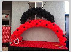 Balloon Arch ladybug