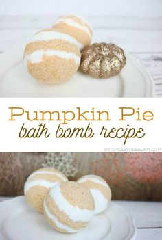 How to make bath bombs for colds and sinus relief that will have you feeling good when you are feeling the worst! Clear your sinuses with these bath bombs! Bath Bomb Recipes, Soap Recipes, Mason Jar Crafts, Mason Jar Diy, Galaxy Bath Bombs, Bath Boms, Homemade Beauty Products, Natural Products, Beauty Recipe