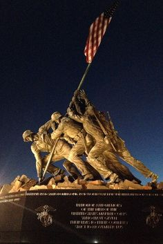 The United States Marine Corps War Memorial, better known as the Iwo Jima Memorial depicts one of the most historic battles of World War II, the battle of Iwo Jima. The memorial is dedicated to all marines who have given their lives in battle USA. Viaje A Washington Dc, Washington Dc Tours, Dc Monuments, Historical Monuments, Famous Monuments, Historical Sites, Gi Joe, Iwo Jima Memorial, Sculptures