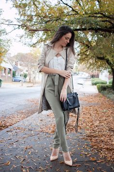 fall earth tones, fall style, classic fall style, trench coat, rebecca minkoff side zip mini regan tote, fall office style, wearing colors in the fall, fall in the south, atlanta style blogger
