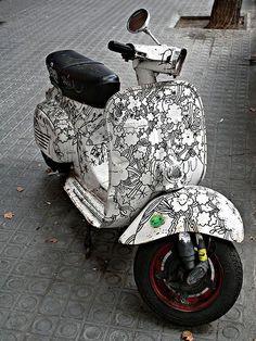 Black graphics on Vespa Piaggio Vespa, Vespa Scooters, Lambretta Scooter, Scooter Motorcycle, Motor Scooters, Vespa Vintage, Chopper, Vespa Girl, Scooter Girl