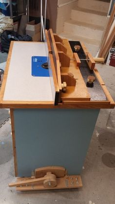 Router Table with Micro Adjust