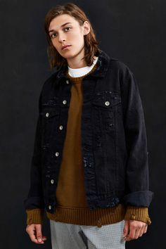 UO Damaged Denim Tru
