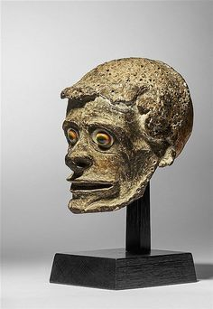 Buy online, view images and see past prices for NEW IRELAND ANCESTOR HEAD. Invaluable is the world's largest marketplace for art, antiques, and collectibles. Arte Tribal, Tribal Art, In The Flesh, Signs, Lion Sculpture, Auction, Museum, January 6, Statue