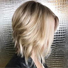 """598 curtidas, 16 comentários - Mane Interest (@maneinterest) no Instagram: """"Honey Golds Everywhere. Color and cut by @the.original.dk  #hair #hairenvy #hairstyles #haircolor…"""""""