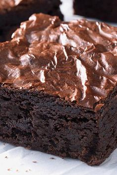 Triple Chunk Brownies with Chocolate Frosting. Triple Chunk Brownies with Chocolate Frosting are made with one simple and healthy ingredient. Triple Chunk Brownies with Chocolate Frosting a little lighter. Brownie Recipes, Cookie Recipes, Dessert Recipes, Best Brownie Recipe, Old Time Fudge Recipe, Large Brownie Recipe, Just Desserts, Delicious Desserts, Egg Free Desserts