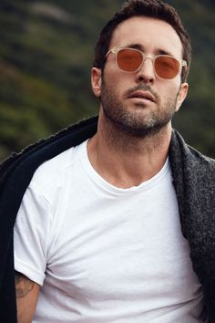 | Alex O'Loughlin | Photography by Nino Muñoz. Styled by Lily Unkhoff. Originally published in Watch! Magazine, June 2017.