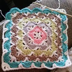 Ravelry: MegVee's Beautiful Shells Blanket